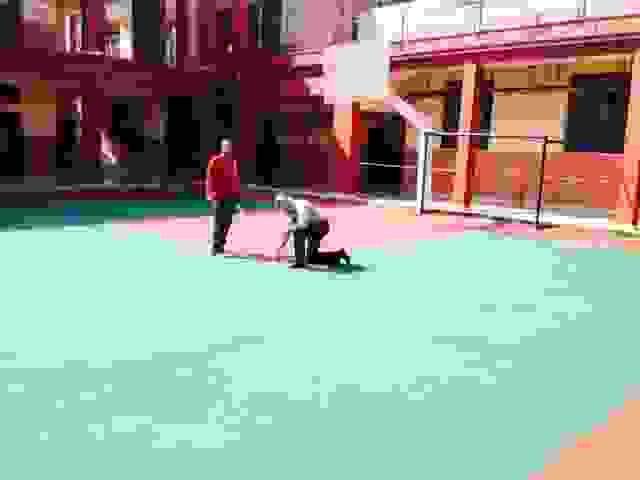 """""""ΚΑΙΝΟΥΡΓΙΟΣ"""" ΜΕΤΑ ΑΠΟ 20 ΧΡΟΝΙΑ Ο ΤΑΠΗΤΑΣ ΤΟΥ ΓΗΠΕΔΟΥ ΜΠΑΣΚΕΤ ΣΤΟ 1ο ΓΥΜΝΑΣΙΟ-ΛΥΚΕΙΟ ΑΡΓΟΣΤΟΛΙΟΥ-ΔΗΛΩΣΗ ΑΠΟ ΤΗΝ ΠΡΟΕΔΡΟ ΤΗΣ ΣΧΟΛΙΚΗΣ ΕΠΙΤΡΟΠΗΣ ΜΑΡΙΑ ΚΟΥΝΑΔΗ (ΒΙΝΤΕΟ)"""