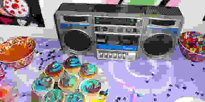 90s Partys 680 335528 339Dq0