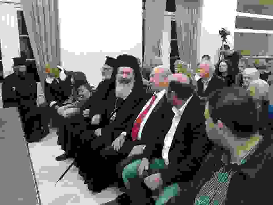 ΧΡΙΣΤΟΥΓΕΝΝΙΑΤΙΚΗ ΣΥΝΑΥΛΙΑ ΤΗΣ ΦΙΛΑΡΜΟΝΙΚΗΣ ΛΗΞΟΥΡΙΟΥ: ΜΕ ΜΑΕΣΤΡΟ ΤΟΝ ΠΑΡΙΣΗ