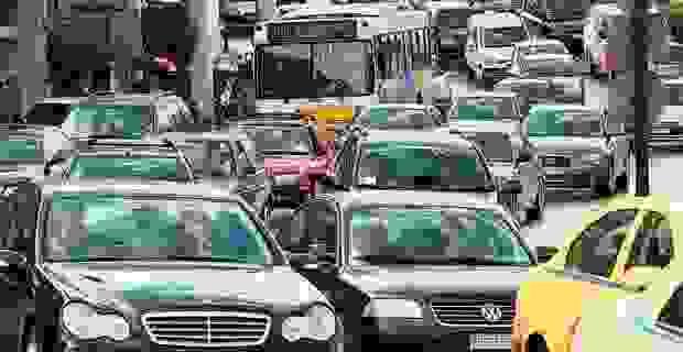 Αυτοκίνητα: Τι αλλάζει στους φόρους, την απόσυρση, τα τέλη κυκλοφορίας