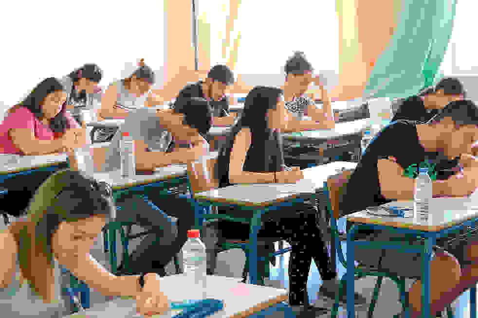 Αλλάζουν όλα στην Παιδεία: Τέλος πανελλήνιες, προσευχή και παρέλαση – Χωρίς εξετάσεις στα ΑΕΙ (pdf)