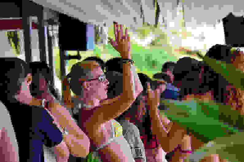 Σε τρελούς ρυθμούς το πρώτο Beach Party στο Costa – Costa! (βίντεο)