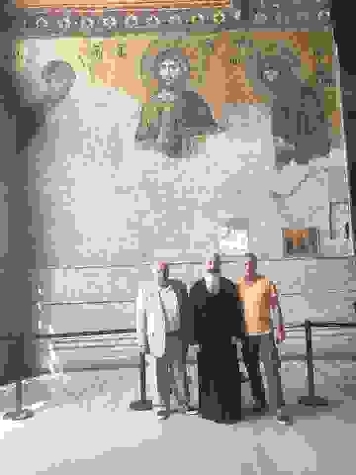 ΣΤΗΝ ΑΓΙΑ ΣΟΦΙΑ ΜΗΤΡΟΠΟΛΙΤΗΣ, ΔΡΑΚΟΥΛΟΓΚΩΝΑΣ & ΣΠ. ΓΑΛΙΑΤΣΑΤΟΣ