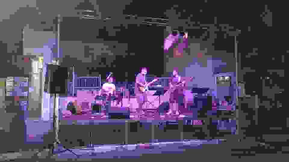 Ο ΔΙΟΝΥΣΗΣ ΚΑΛΑΦΑΤΗΣ και οι Rewind The Band στον Φοινικόδρομο (φωτο & βίντεο)