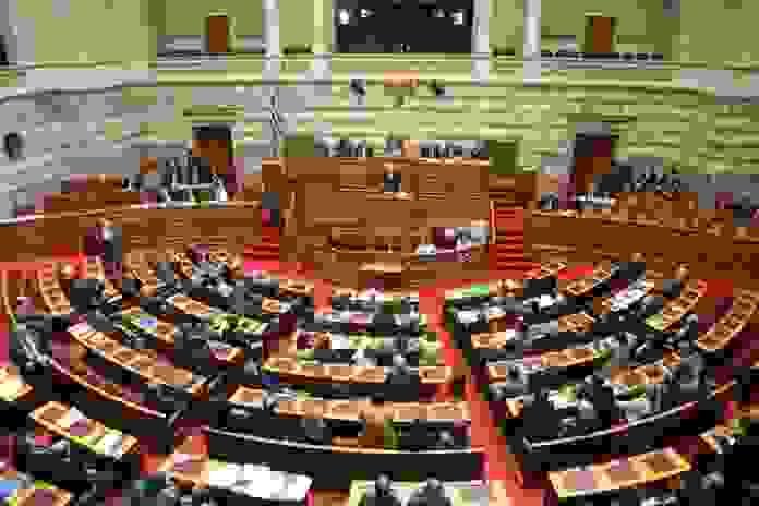 Βουλή: Υπερψηφίστηκε το ν/σ για απλοποίηση στην αδειοδότηση επιχειρήσεων-ΟΙ ΑΛΛΑΓΕΣ ΓΙΑ ΤΟΥΣ ΠΟΡΟΥΣ ΤΩΝ ΟΤΑ & ΓΙΑ ΤΙΣ ΑΔΕΙΕΣ ΜΟΥΣΙΚΩΝ ΟΡΓΑΝΩΝ