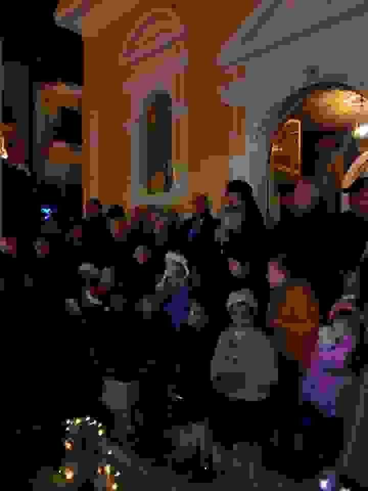 Από το κατώφλι του Αγ. Σπυρίδωνα άκουσε τα κάλαντα ο Δημήτριος! (βίντεο)