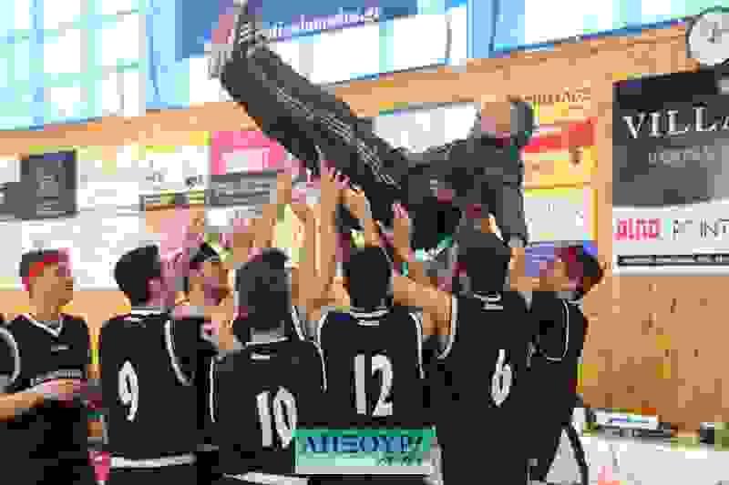 """""""Σάρωσε"""" το ΓΕΛ Ληξουρίου στους σχολικούς αγώνες μπάσκετ"""