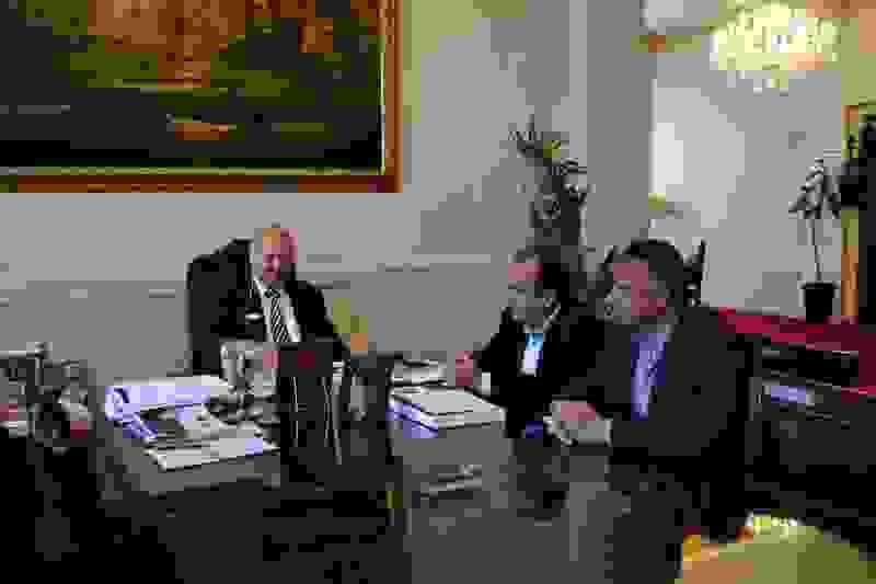 Συνάντηση Δημάρχου με συνεργάτες της Fraport για την ασφάλεια των αεροδρομίων