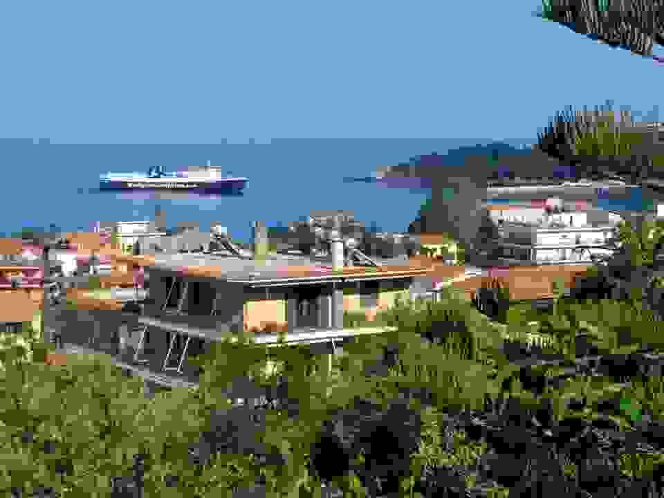 Το «Νήσος Κεφαλονιά» μπαίνει στο λιμάνι του Πόρου