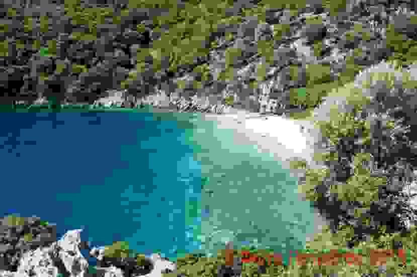 Μια κρυφή παραδεισένια παραλία στην Κεφαλονιά (εικόνες)
