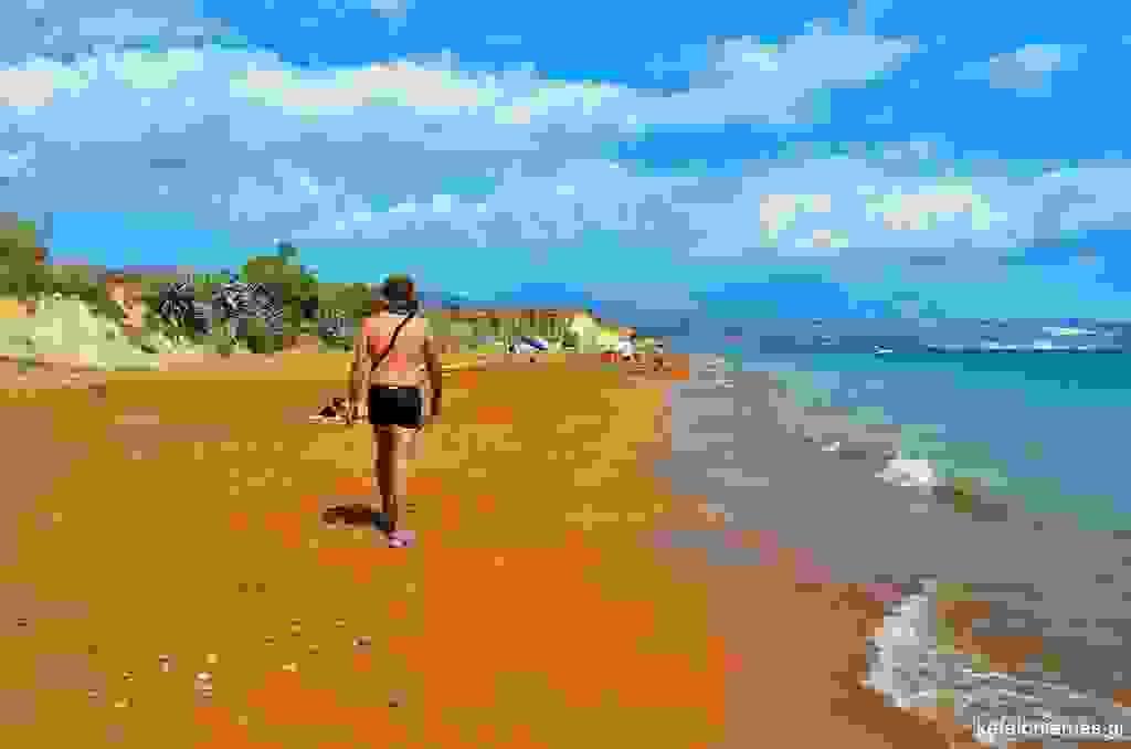 Η παραλία Μέγας Λάκκος με την κόκκινη άμμο στην Κεφαλονιά (εικόνες)
