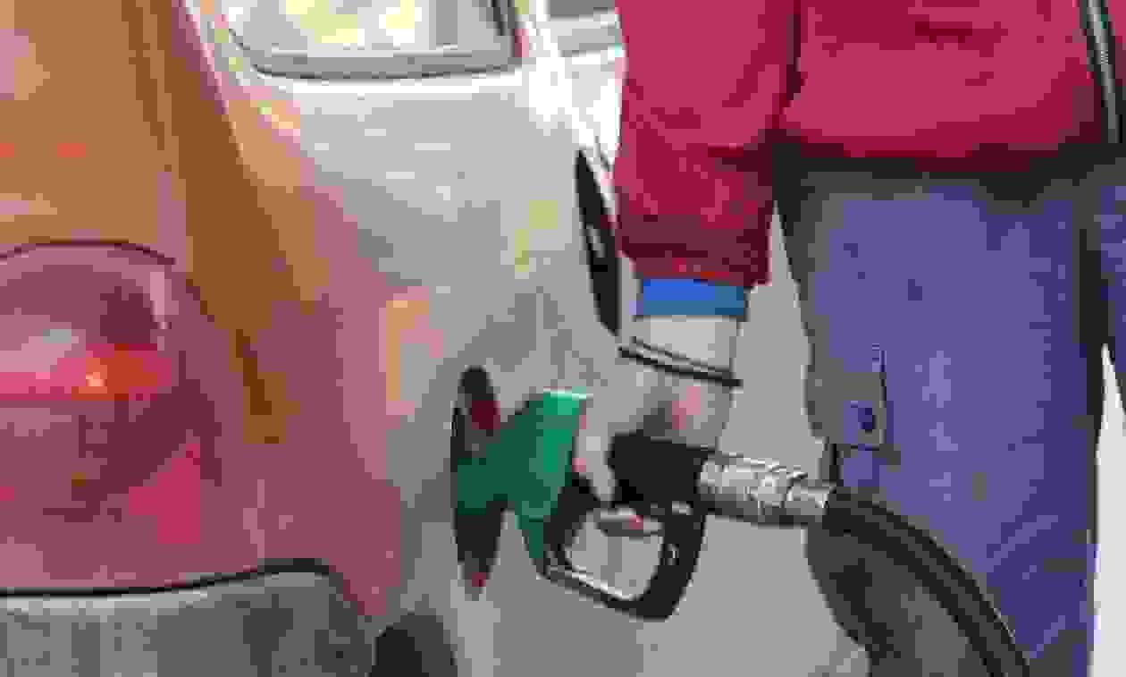 Νέες αυξήσεις «φωτιά» στα καύσιμα -Σε ποια σημεία της Ελλάδας είναι ακριβότερη η βενζίνη [πίνακες]