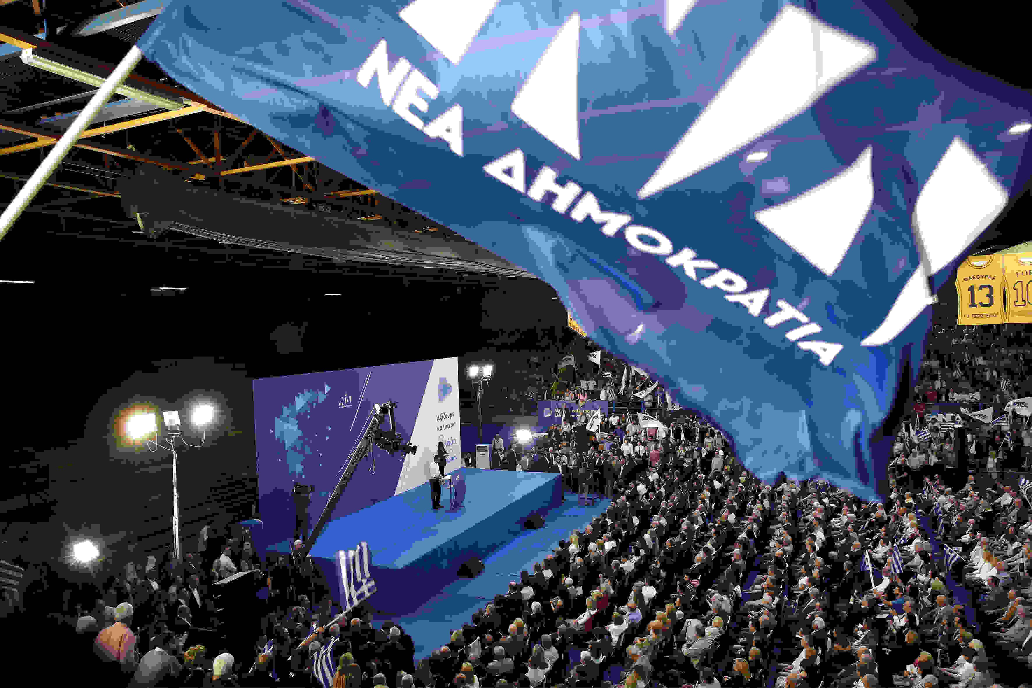 Ο πρόεδρος της ΝΔ Κυριάκος Μητσοτάκης, μιλάει στην προεκλογική συγκέντρωση του κόμματος ενόψει των ευρωκλογών και αυτοδιοικητικών εκλογών στο κλειστό γυμναστήριο του Περιστερίου, Τετάρτη 22 Μαΐου 2019. ΑΠΕ ΜΠΕ/ΑΠΕ ΜΠΕ/ΑΛΕΞΑΝΔΡΟΣ ΒΛΑΧΟΣ