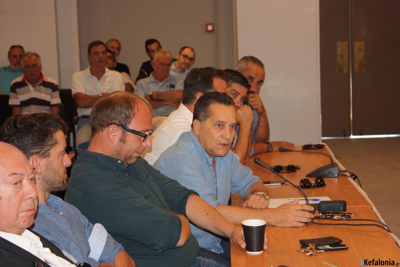 Η «Ισχυρή Κεφαλονιά» ζητά έκτακτη σύγκληση του δημοτικού συμβουλίου Αργοστολίου