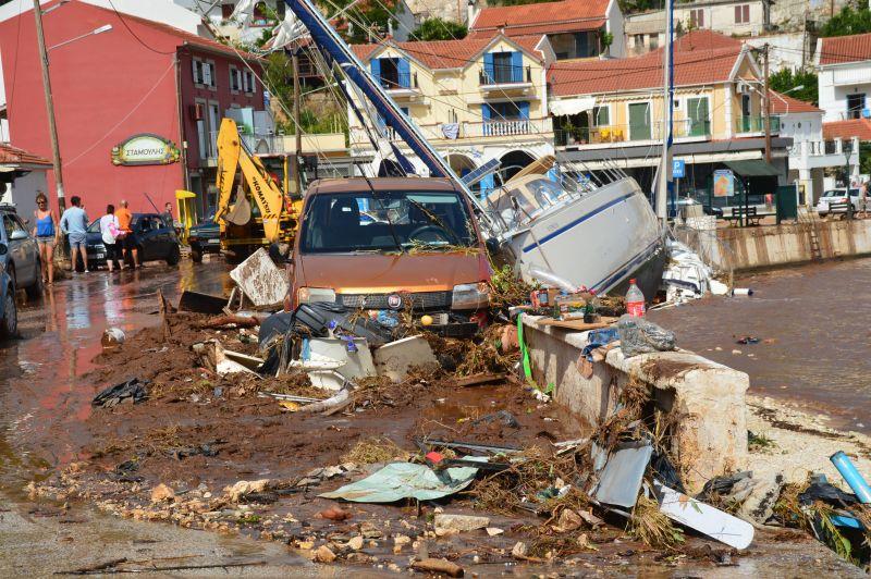 Κακοκαιρία Ιανός: Tα 6 μέτρα του υπουργείου Υποδομών και Μεταφορών για τις πληγείσες περιοχές
