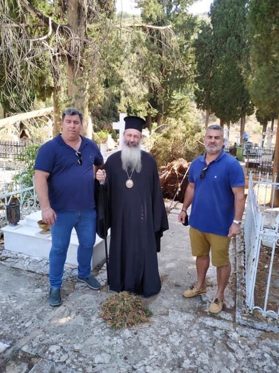 Στο κοιμητήριο του Δραπάνου ο Δεσπότης  Αυτοψία στις καταστροφές που προκάλεσε ο Ιανός