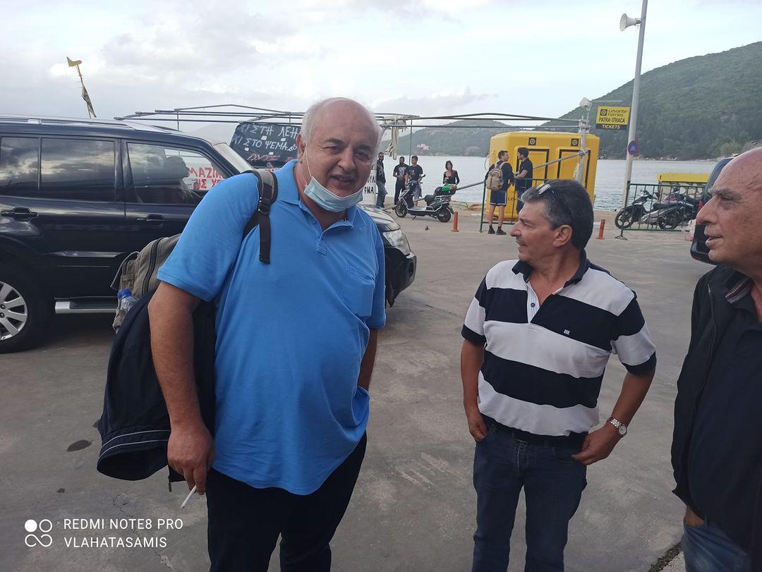 Ο Βουλευτής του ΚΚΕ Νίκος Καραθανασόπουλος στο Λιμάνι της Σάμης