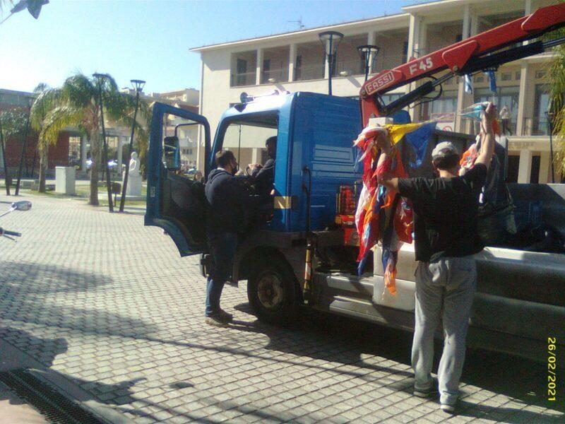 Ακόμη και τώρα κοντά στους εργαζόμενους της ΚΕΔΗΚΕ ο Κωνσταντάκης [εικόνα]