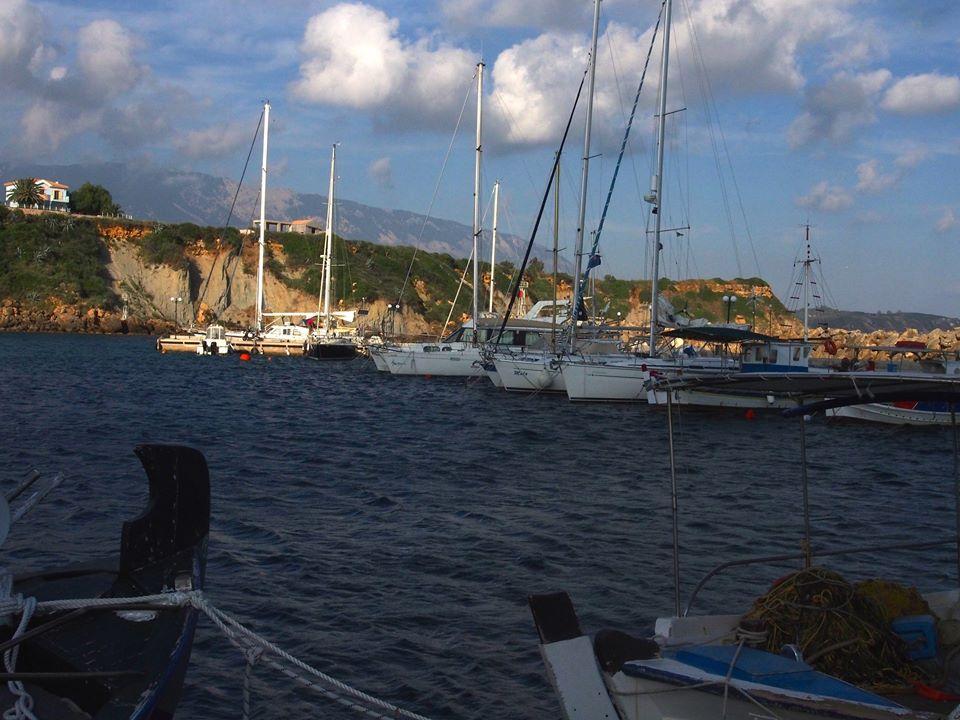 Αναστάτωση στους επαγγελματίες αλιείς της Λειβαθούς για τα σχέδια του Μιχαλάτου ως προς το αλιευτικό καταφύγιο της Αγίας Πελαγίας