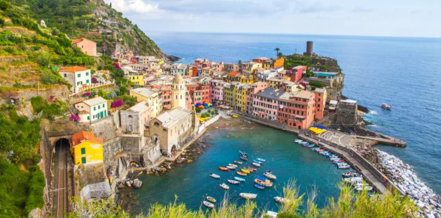 H Eλλάδα πρότυπο για την Ιταλία