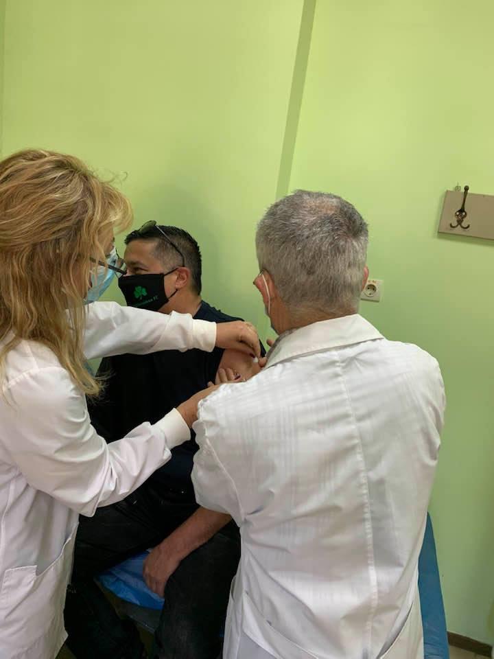 Ιθάκη: Έκανε και τη δεύτερη δόση του εμβολίου ο Λιβιτσάνης [εικόνες]