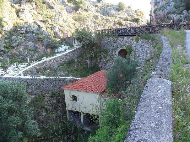 Περιφέρεια: Δεν κλείνει η γέφυρα στην Αγία Βαρβάρα