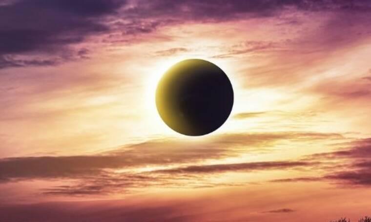 Η Νέα Σελήνη–Έκλειψη στους Διδύμους θέλει να έχεις μάτια και στην πλάτη – Δείτε αν επηρεάζεστε από το πλανητικό σκηνικό της ημέρας
