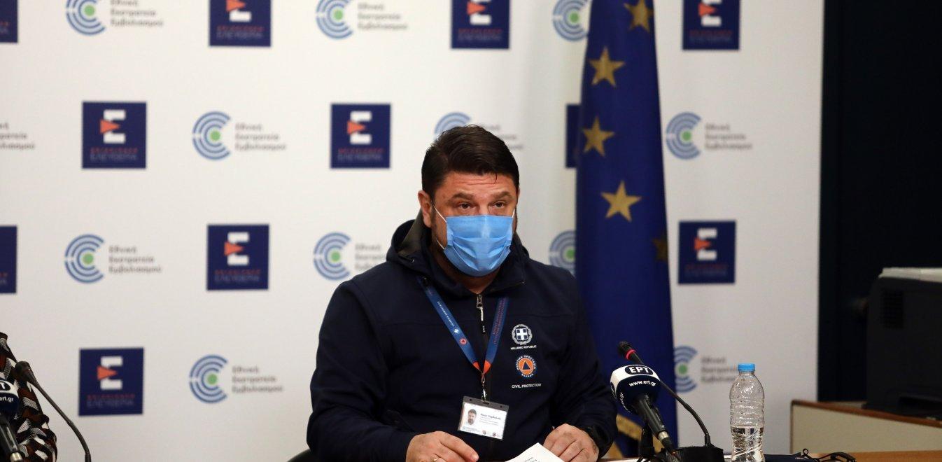 Τέλος οι μάσκες σε εξωτερικούς χώρους – Εξαιρούνται από τα Self Test οι πλήρως εμβολιασμένοι εργαζόμενοι