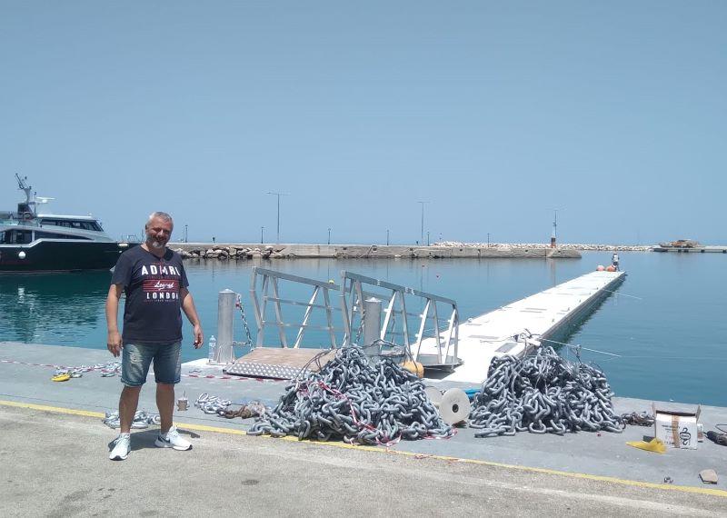 Αριστοτέλης Μπατιστάτος: Η πλωτή εξέδρα τοποθετήθηκε στο λιμάνι του Πόρου