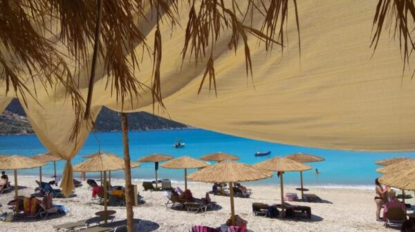 Παραλία Αγίας Κυριακής – Το Super Paradise της Κεφαλονιάς