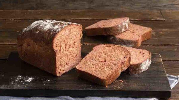 Ψωμί παντζαριού με αλεύρι ολικής άλεσης