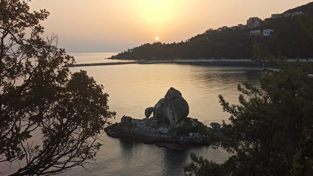 Η ανατολή του ήλιου του Πόρου στον ΣΚΑΙ από την Ιωάννα Τσικουδή [εικόνες +βίντεο]