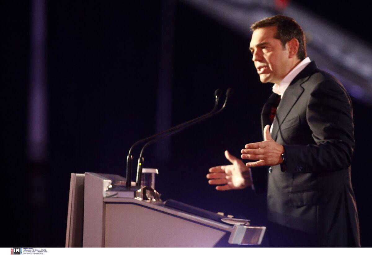 Με το σύνθημα «μία νέα αρχή με την κοινωνία», ο πρόεδρος του ΣΥΡΙΖΑ Αλέξης Τσίπρας ξεδίπλωσε το κυβερνητικό πρόγραμμα του ΣΥΡΙΖΑ